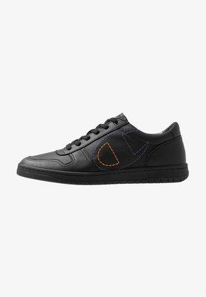 LOW CUT SHOE 919 LOW LEATHER - Sneakers - black