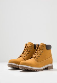 Champion - MID CUT SHOE UPSTATE 3.0 - Hiking shoes - bee - 2