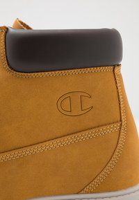 Champion - MID CUT SHOE UPSTATE 3.0 - Hiking shoes - bee - 5