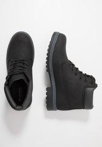 Champion - MID CUT SHOE UPSTATE 3.0 - Chaussures de marche - black - 1