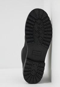 Champion - MID CUT SHOE UPSTATE 3.0 - Chaussures de marche - black - 4