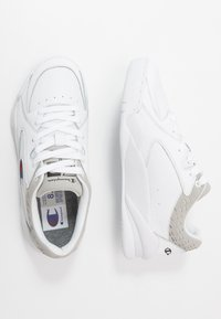 Champion - LOW CUT SHOE ZONE - Koripallokengät - white - 1