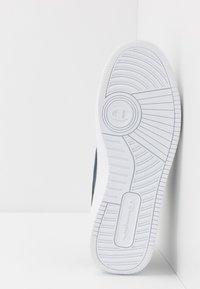 Champion - LOW CUT SHOE REBOUND - Basketball shoes - navy - 4