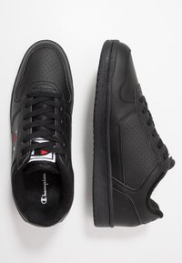 Champion - LOW CUT SHOE CHICAGO - Matalavartiset tennarit - new black - 1