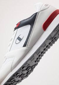 Champion - LOW CUT SHOE C.J.  - Zapatillas de entrenamiento - white/navy/red - 5