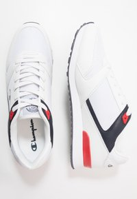 Champion - LOW CUT SHOE C.J.  - Kuntoilukengät - white/navy/red - 1