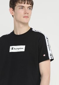 Champion - CREWNECK  - T-shirts print - black - 4