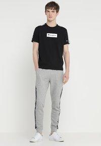 Champion - CREWNECK  - T-shirts print - black - 1