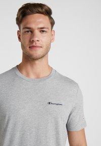 Champion - CREWNECK - Camiseta básica - grey - 3