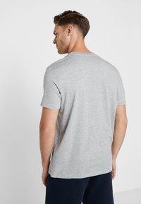 Champion - CREWNECK - Camiseta básica - grey - 2
