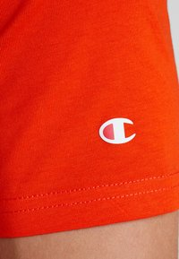 Champion - CREWNECK - T-shirt basic - tnt