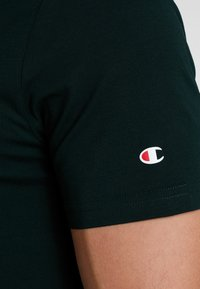 Champion - CREWNECK - T-paita - dark green - 5