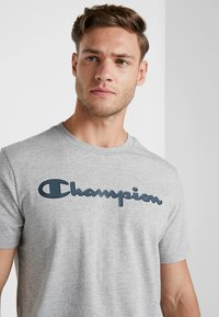 Champion - CREWNECK - T-shirt imprimé - grey - 3