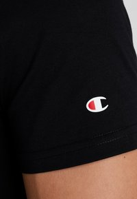 Champion - CREWNECK - T-shirt z nadrukiem - black - 5