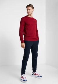 Champion - LONG SLEEVE CREWNECK - T-shirt à manches longues - red - 1