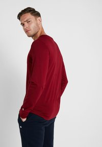 Champion - LONG SLEEVE CREWNECK - T-shirt à manches longues - red - 2