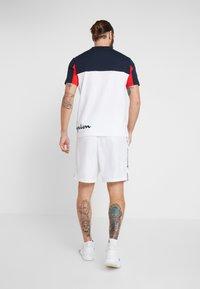 Champion - CREWNECK - Print T-shirt - white - 2