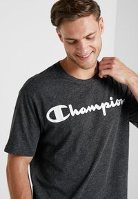 Champion - CREWNECK - T-shirt imprimé - dark grey - 3