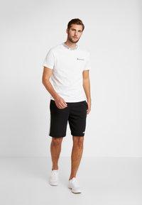 Champion - CREWNECK  - T-shirt imprimé - white - 1