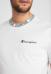 Champion - CREWNECK  - T-shirt imprimé - white - 5
