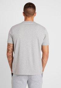 Champion - TEE 100TH ANNIVERSARY - Camiseta estampada - grey - 2