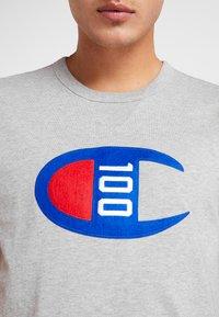 Champion - TEE 100TH ANNIVERSARY - Camiseta estampada - grey - 4