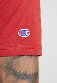 Champion - TEE 100TH ANNIVERSARY - T-shirt print - dark red - 3