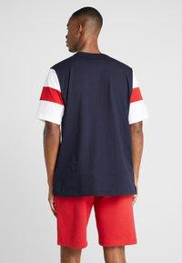 Champion - CREWNECK - Print T-shirt - night sky/white/haute red - 2