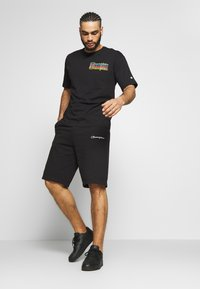 Champion - CREWNECK - T-shirt imprimé - black - 1