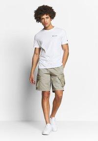 Champion - CREWNECK  - T-shirt basic - white - 1