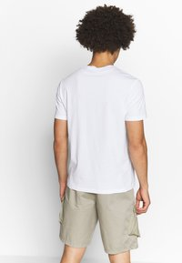 Champion - CREWNECK  - T-shirt basic - white - 2