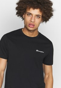 Champion - CREWNECK  - T-shirt basic - black - 4