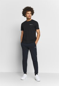 Champion - CREWNECK  - T-shirts basic - black - 1
