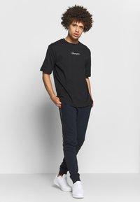 Champion - ROCHESTER CREWNECK - T-shirt basic - black - 1