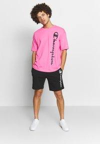 Champion - CREWNECK - Triko spotiskem - pink - 1