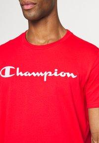 Champion - CREWNECK  - T-Shirt print - red - 4