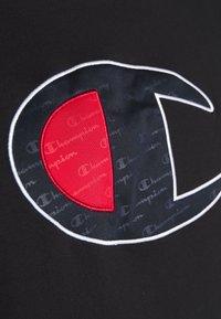 Champion - ROCHESTER BIG CREWNECK - Camiseta estampada - black - 5
