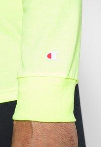 Champion - LONG SLEEVE CREWNECK - T-shirt à manches longues - neon yellow - 5