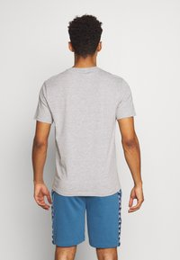 Champion - HEAD PHONES CREWNECK - Camiseta estampada - grey - 2