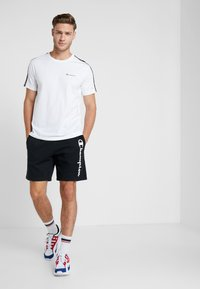 Champion - BERMUDA - Short de sport - black - 1