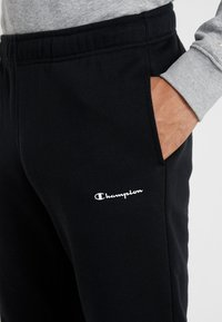 Champion - STRAIGHT HEM PANTS - Træningsbukser - black - 4