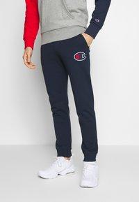 Champion - ROCHESTER RIB CUFF PANTS - Spodnie treningowe - dark blue - 0