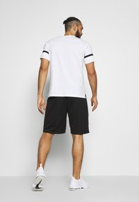 Champion - ROCHESTER ATHLEISURE - Sports shorts - black - 2