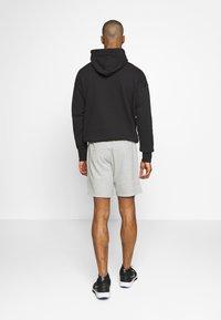 Champion - BERMUDA - Sports shorts - grey - 2