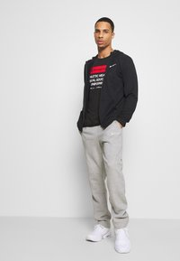 Champion - LEGACY STRAIGHT HEM PANTS - Joggebukse - mottled grey - 1