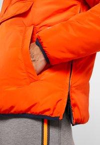 Champion - HOODED JACKET ANORAK - Giacca invernale - orange - 5