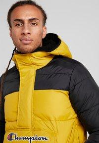 Champion - HALF ZIP JACKET - Winterjas - mustard yellow - 3