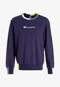 Champion - CREWNECK - Sweatshirt - eclipse/off white a/heliopis yellow/mallard green - 4