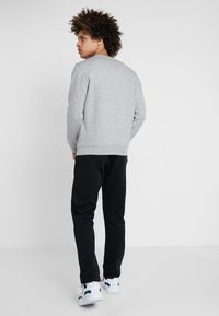 Champion - CREWNECK  - Sweatshirt - grey - 2