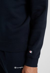 Champion - CREWNECK  - Sweatshirt - dark blue/white - 5